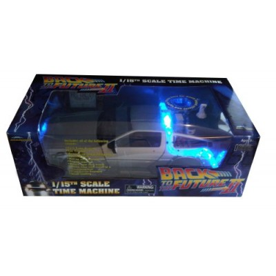 Diamond Select Back to the Future II DeLorean Time Machine.