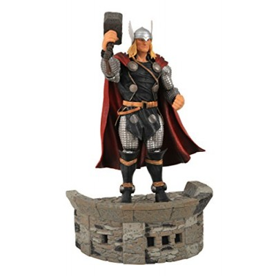Diamond Select Toys Marvel Select: Thor Action Figure