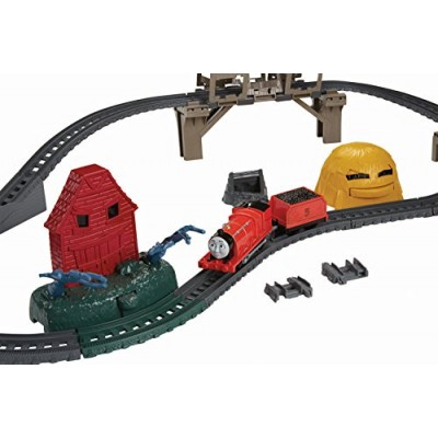 Fisher-Price Thomas The Train - TrackMaster Troublesome Traps Set (Tale of The Brave)