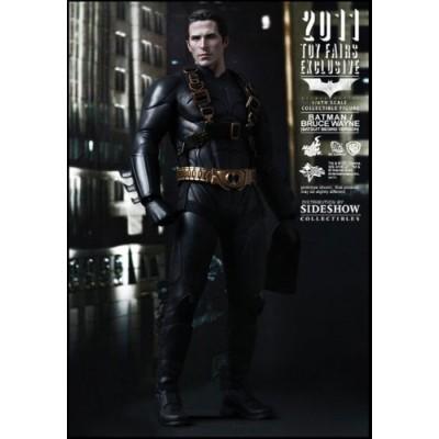 Hot Toys Sideshow Toy Fair 2011 Batman Begins Bruce Wayne Batsuit