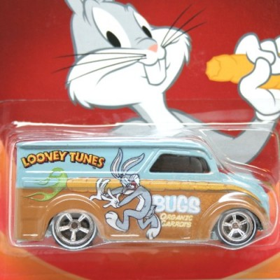 Hot Wheels, Looney Tunes Die-Cast Vehicle, Bugs Bunny Dairy Delivery, 1:64 Scale