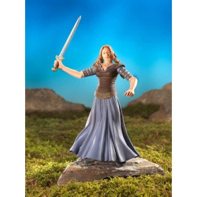 Lord of the Rings: The Two Towers: Collector Series 1 Eowyn With Sword Attack Action