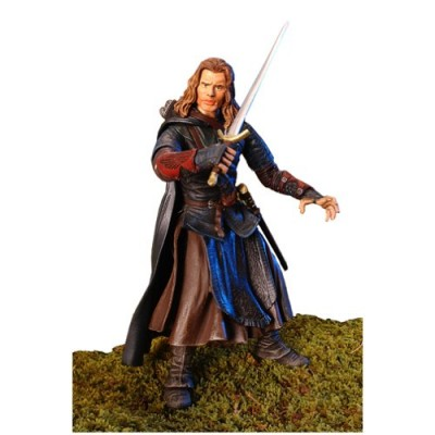 Lord of the Rings: Two Towers Gondorian Ranger Outfield with Weapons Action Figure