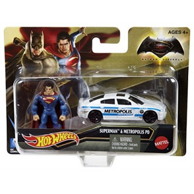 Hot Wheels Batman v Superman: Dawn of Justice Superman Mini Fig & Dodge Charger