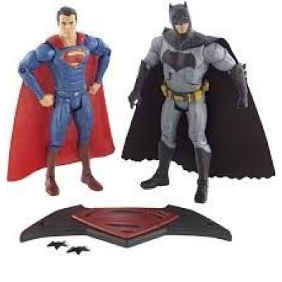 SDCC 2015: Mattel's Exclusive Batman V Superman: Dawn of Justice Figure Set