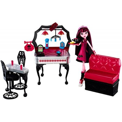 Monster High Die-Ner and Draculaura Playset and Doll